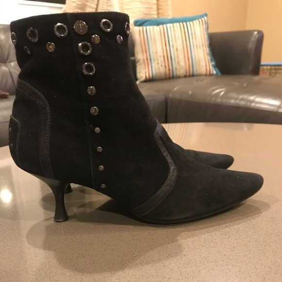 Very Chic and totally in Tod's Booties!
